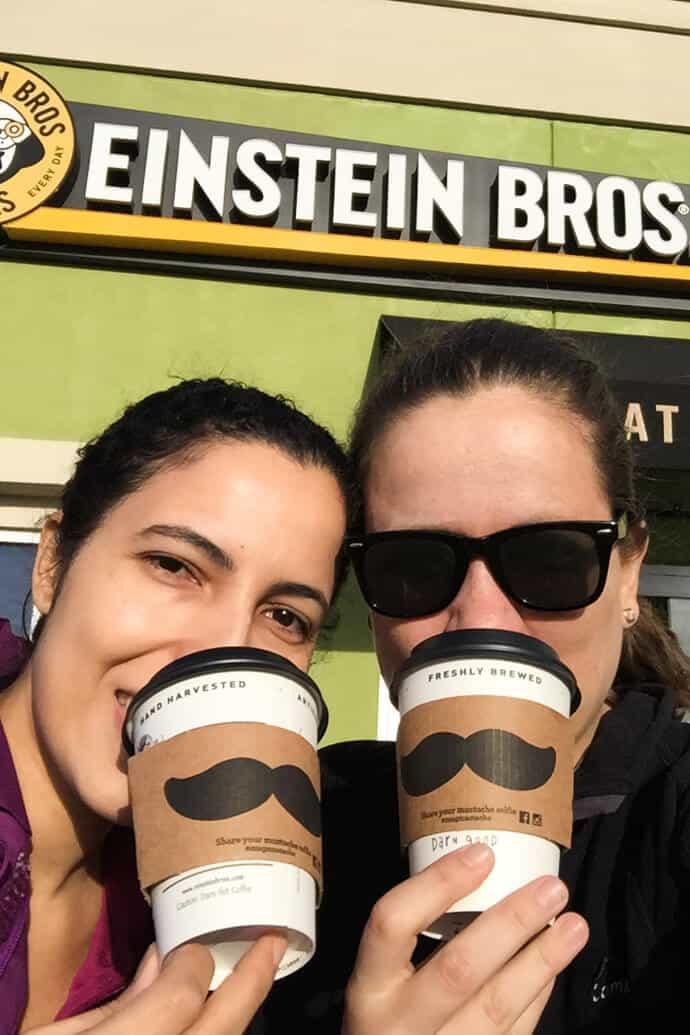 Conheça os melhores bagels dos Estados Unidos, da rede americana Einstein Bros que tem lojas por todo o país. É o café da manhã perfeito na América!