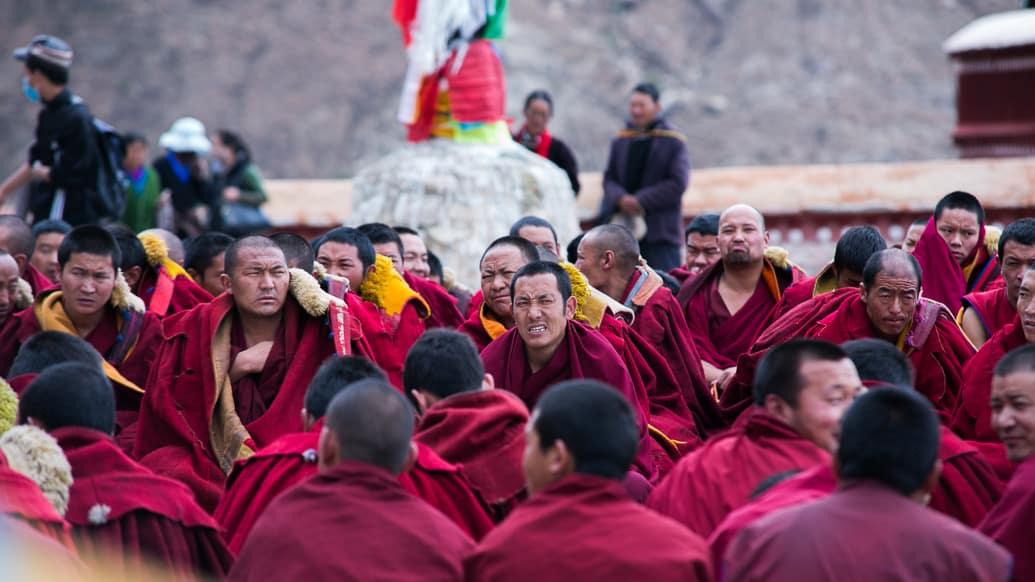 tibet-lhasa-drepung-monges