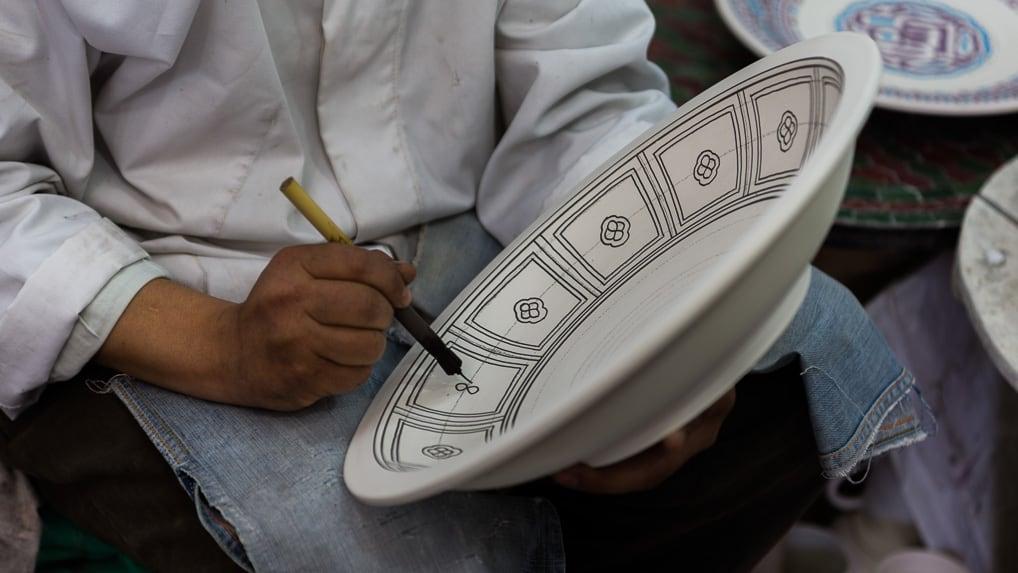 Detalhe Artesão em Fès, no Marrocos