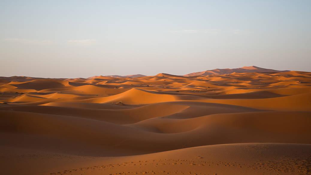 Como é passar a noite no deserto do Saara, no Marrocos