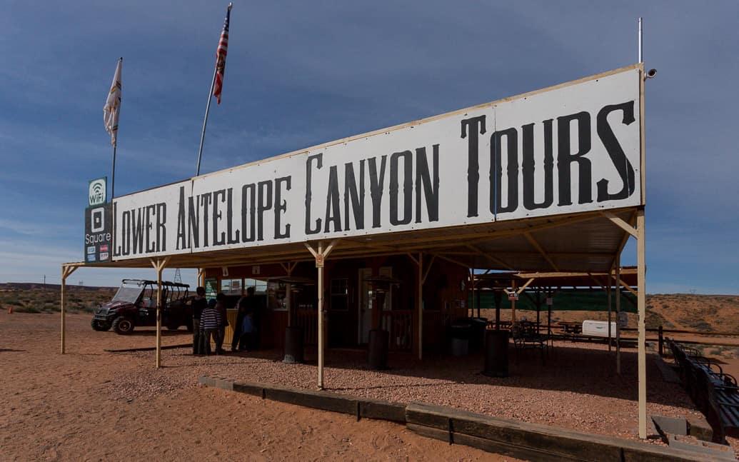 upper ou lower antelope canyon