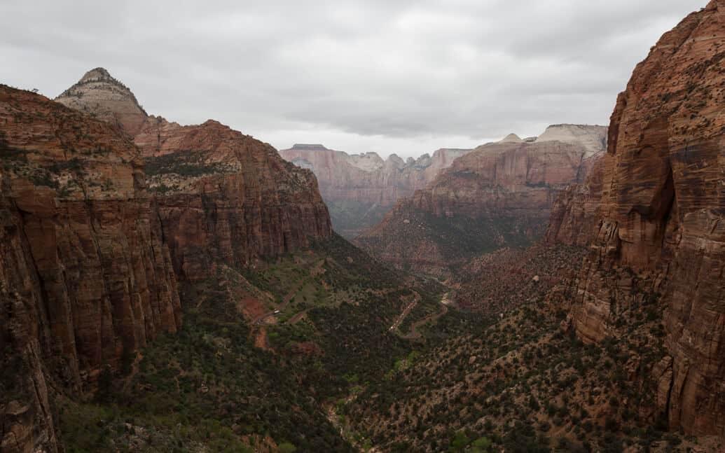 zion-park-utah-canyon-overllok-05