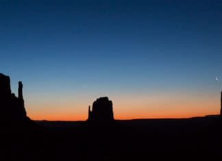 Amanhecer no Monument Valley