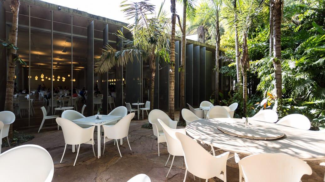 inhotim-restaurante-oiticica-exterior
