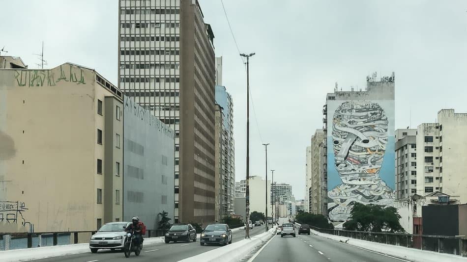 Mural do artista Tec em São Paulo
