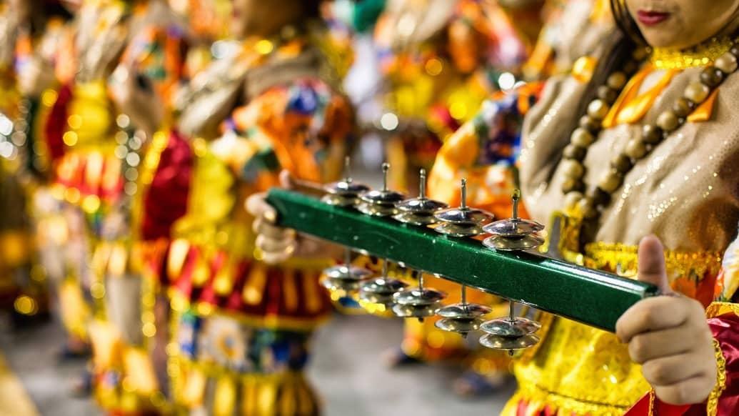 Dicas para assistir aos desfiles das escolas de samba no carnaval no Sambódromo de São Paulo