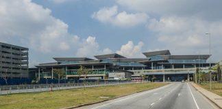 Qual é a maneira mais rápida e barata de chegar ao aeroporto de Guarulhos?