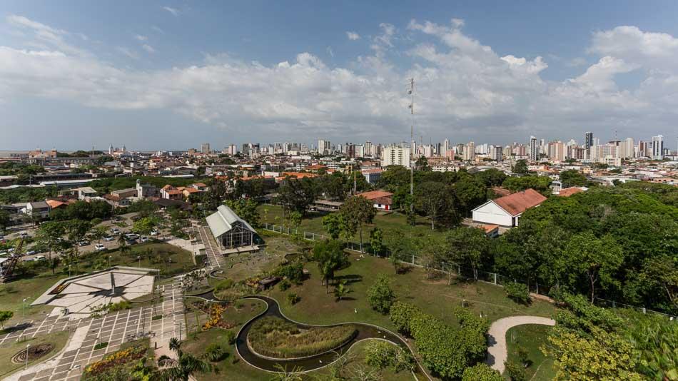 Dica do que fazer em Belém: ver a cidade do alto da torre no Mangal das Garças