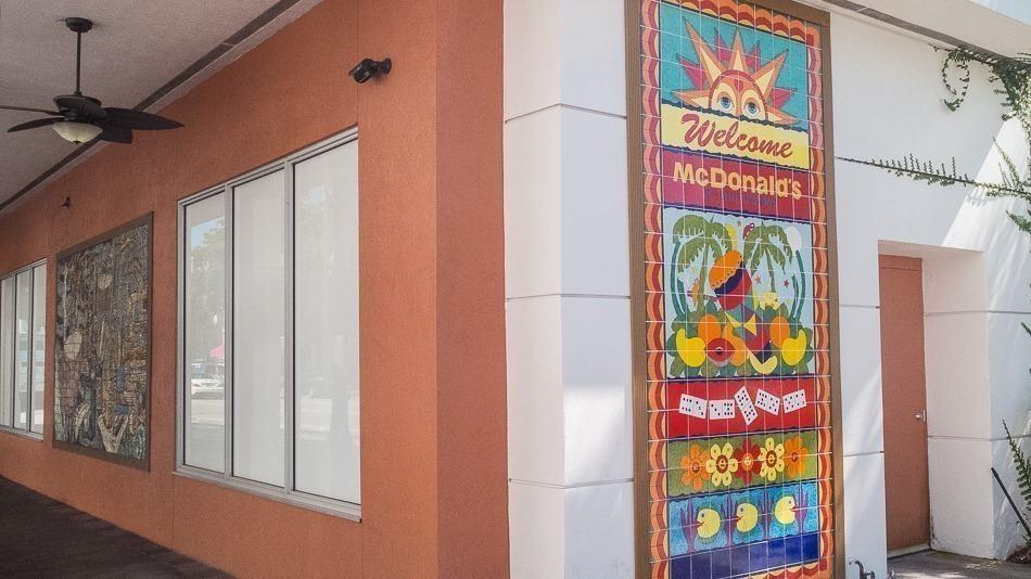 Detalhes da loja do Mc Donald's em Little Havana, Miami