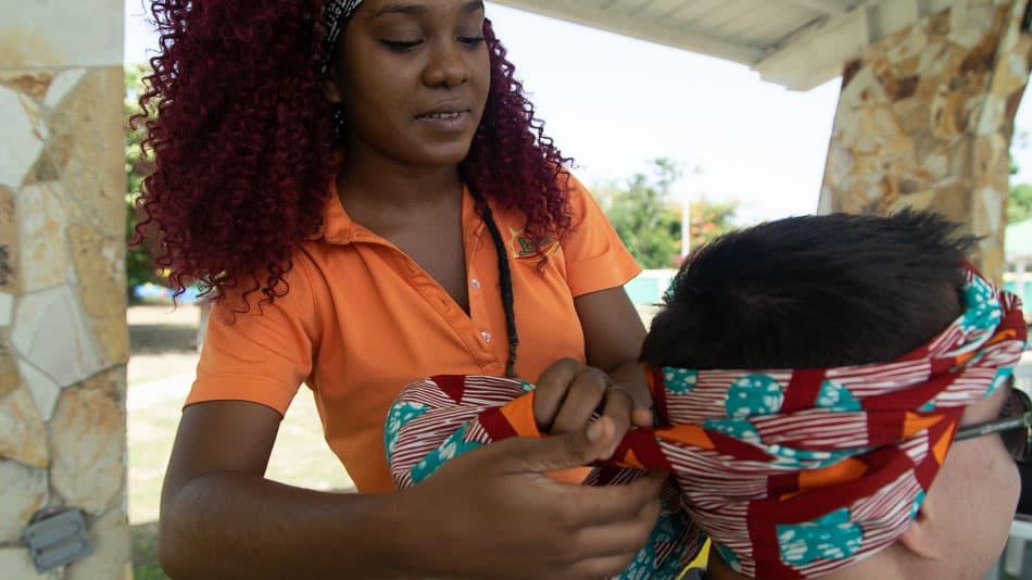 Oficina de amarração de turbante em Loíza, Porto Rico