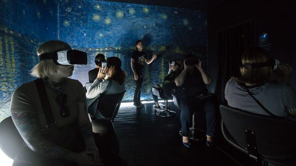 Realidade virtual na exposição imersiva Van Gogh em SP