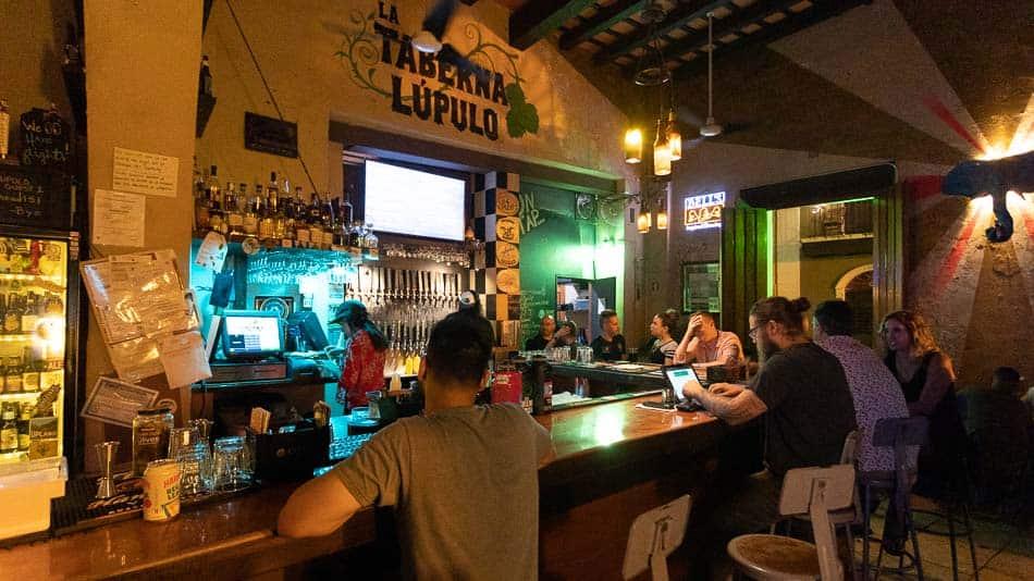 Taberna Lúpulo: onde tomar cerveja artesanal em San Juan