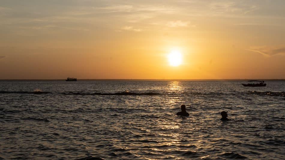 Pôr do sol da Ponta do Cururu, em Alter do Chão