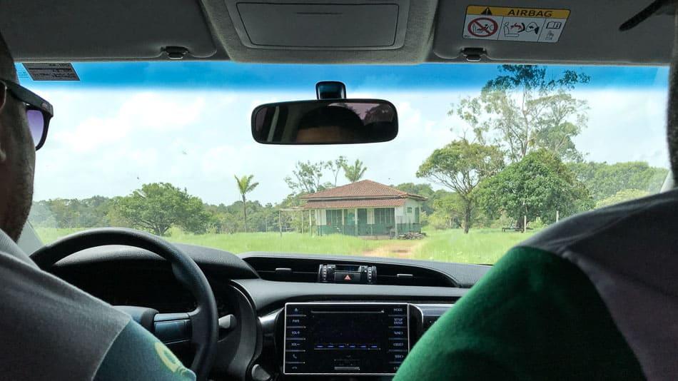 De carro até o Stonehenge do Amapá em Calçoene