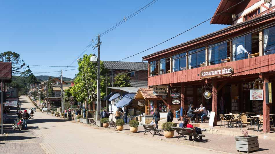 Rua principal em Monte Verde