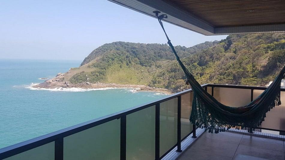 Airbnb no Guarujá: apartamento com vista espetacular na Praia da Enseada