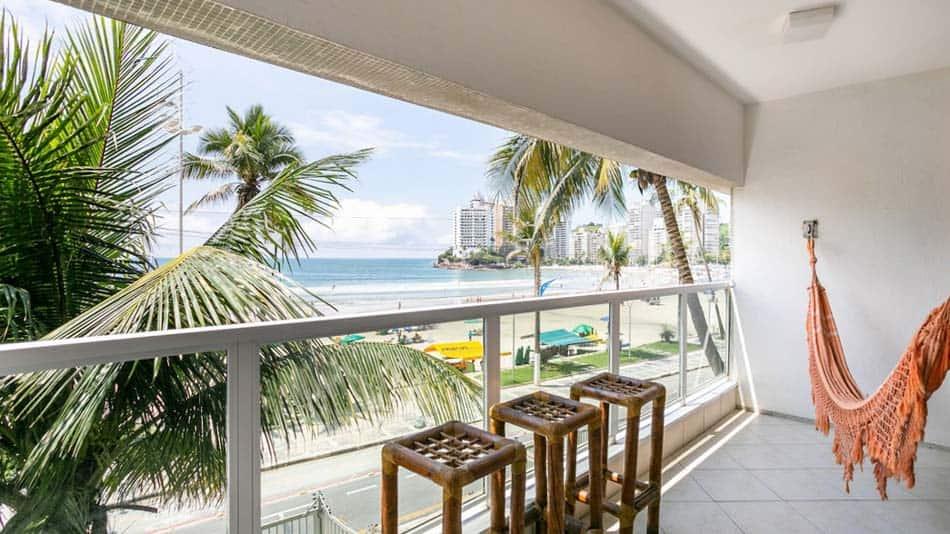 Airbnb no Guarujá: apartamento na Praia das Astúrias