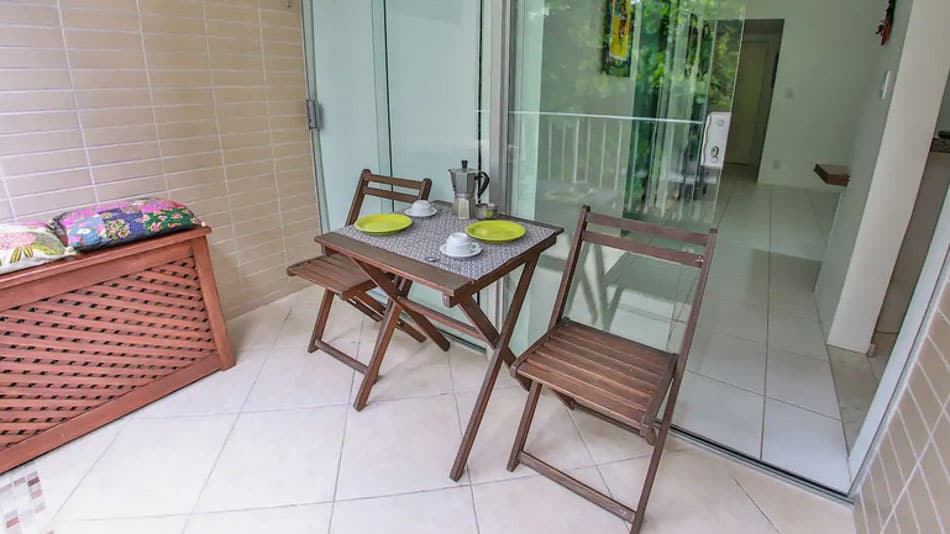 Apartamento com varanda para alugar no Airbnb em Salvador