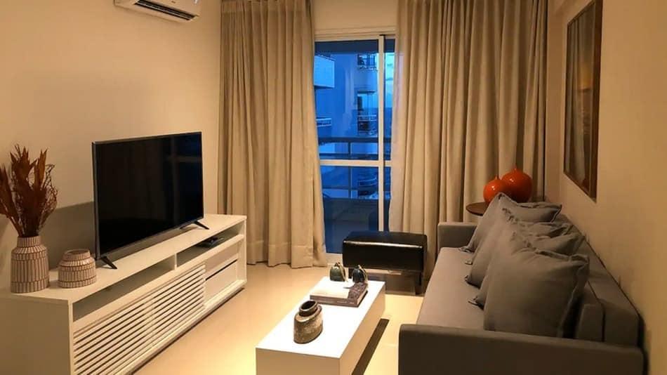 Airbnb em Salvador: quarto e sala em Ondina