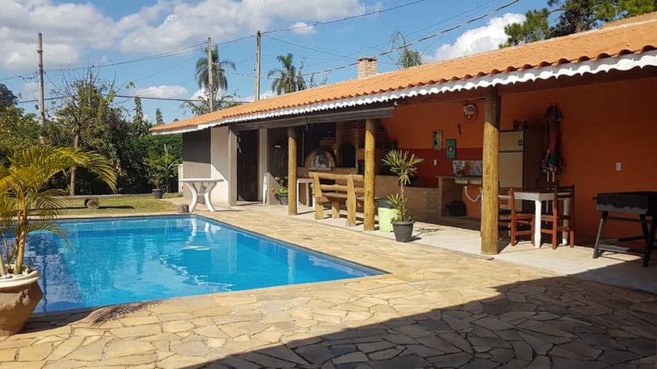 Casa com fogão a lenha para alugar no Airbnb em Atibaia