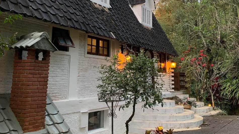 Casa em condomínio fechado para aluguel no Airbnb em Atibaia