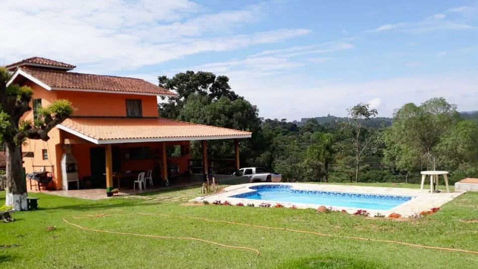 Chácara em condomínio para alugar no Airbnb em Atibaia