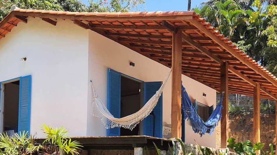 Casa para alugar no Airbnb em Ilhabela a 90 metros da praia