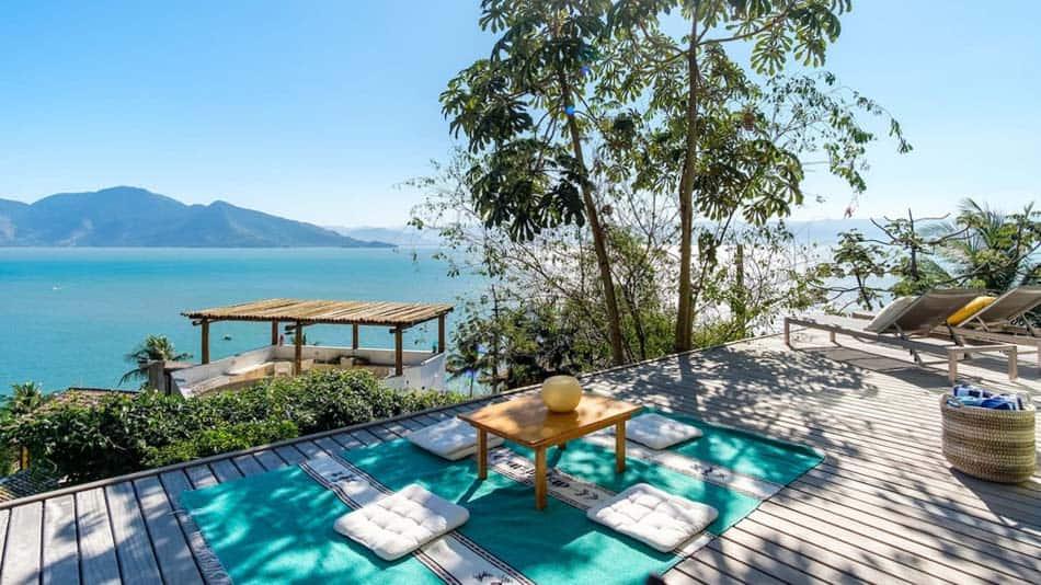 Bela casa para aluguel no Airbnb em Ilhabela
