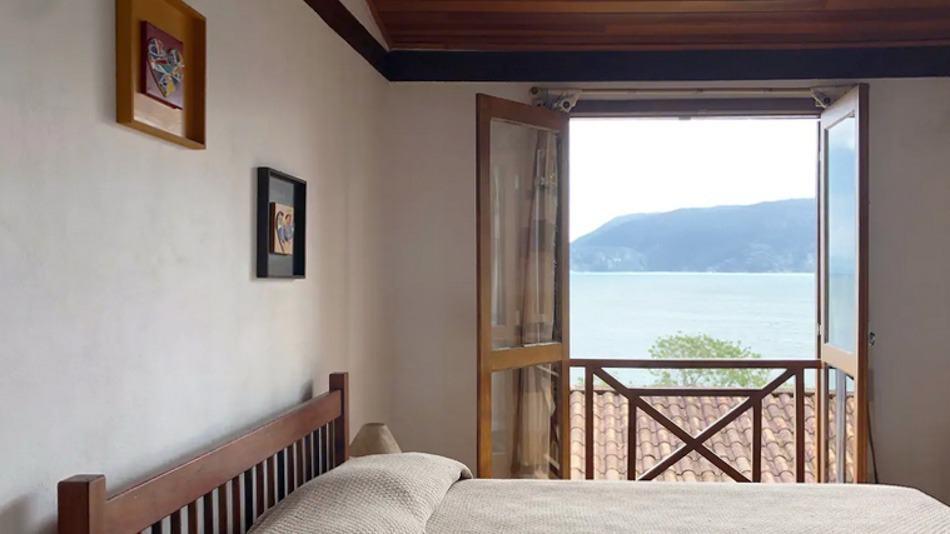 Chalé para alugar no Airbnb em Ilhabela, na praia do Curral