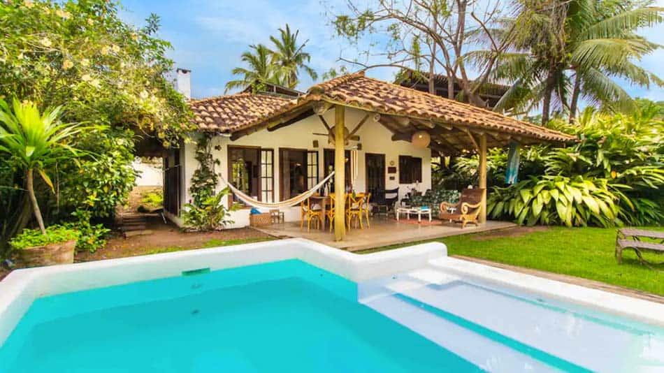 Casa para alugar no Airbnb em Ilhabela, na praia de Feiticeira