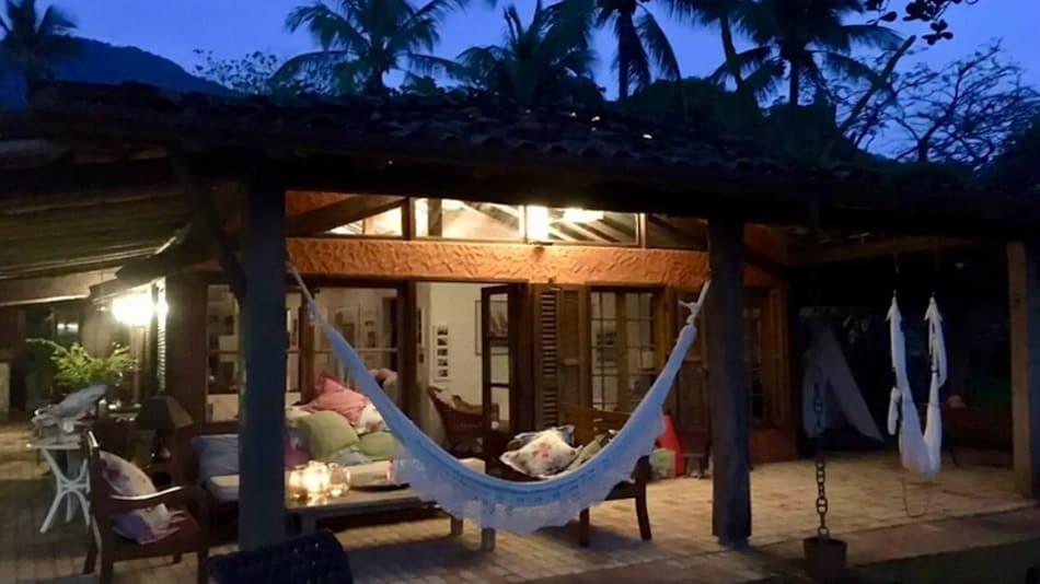 Casa para alugar no Airbnb em Ilhabela, na praia do Pinto