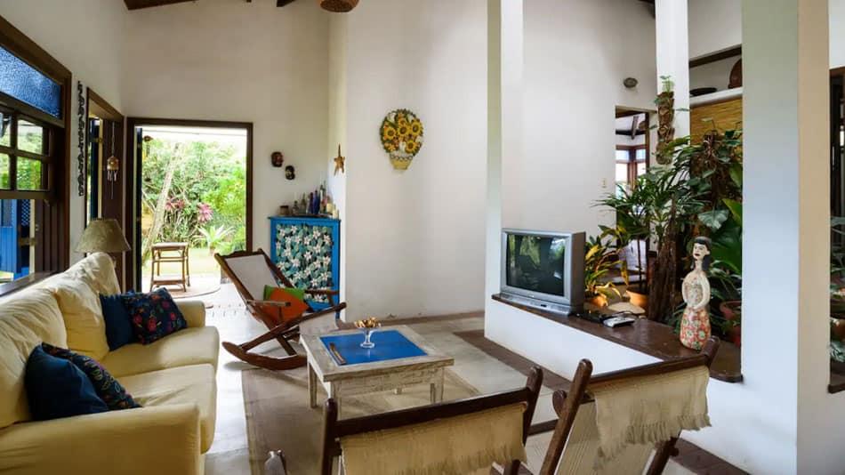 Casa com jardim enorme para aluguel no Airbnb em Juquehy