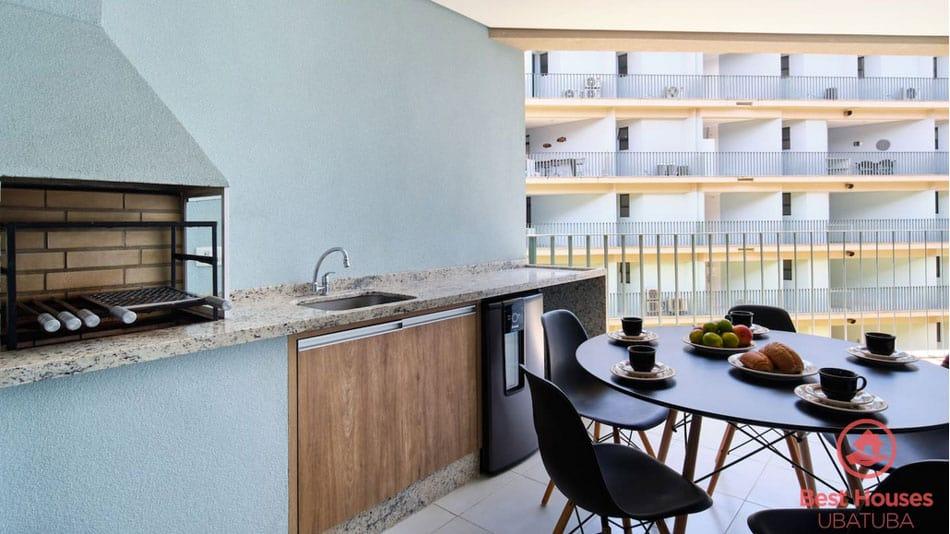 Apartamento com varanda para alugar no Airbnb em Ubatuba na Praia Grande
