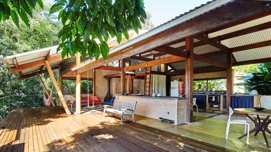 Casa com conceito aberto para alugar no Airbnb em Ubatuba na Praia do Félix