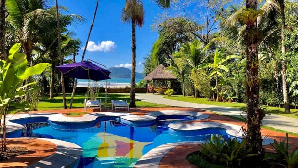 Bela casa para alugar no Airbnb em Ubatuba na Praia Dura