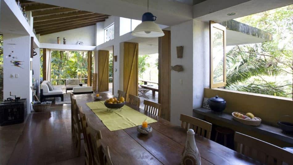 Casa com vista para alugar no Airbnb em Ubatuba