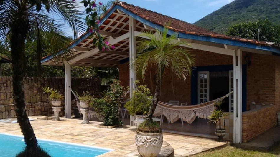 Casa com piscina para alugar no Airbnb em Ubatuba no Perequê-Mirim