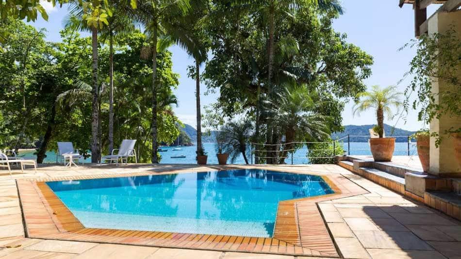 Casa para alugar no Airbnb em Ubatuba na Praia do Flamengo