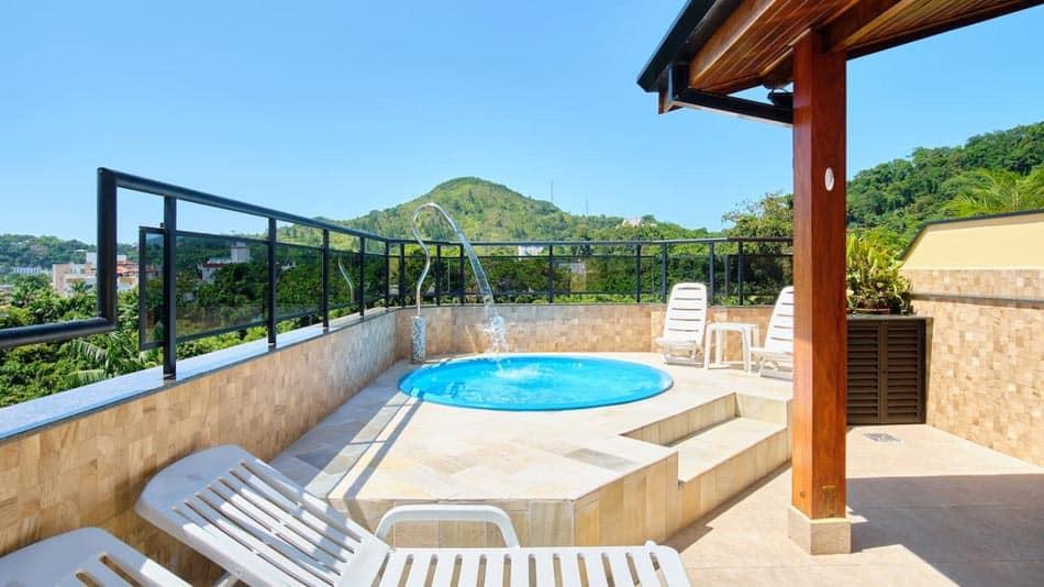 Cobertura duplex para alugar no Airbnb em Ubatuba na Praia das Toninhas