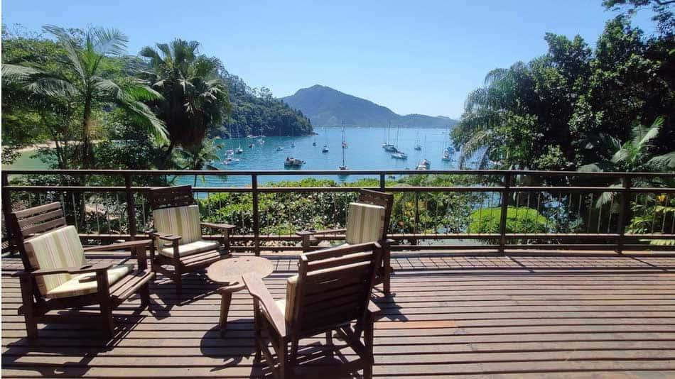 Casa com vista para alugar no Airbnb em Ubatuba na Praia do Flamengo