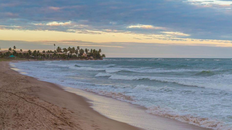Guarajuba, praia no litoral norte da Bahia