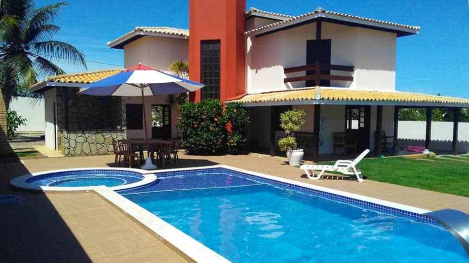Casa com piscina para alugar no Airbnb em Barra de Jacuípe, no litoral norte da Bahia