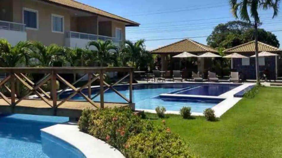 Village para aluguel de temporada no Airbnb em Guarajuba