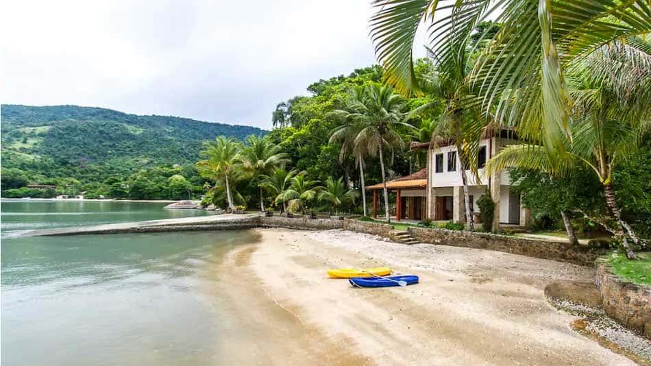 Casa a beira mar para alugar no Airbnb em Paraty