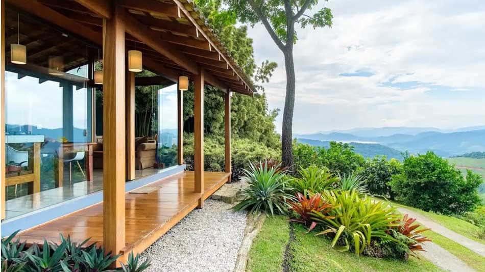 Casa para alugar no Airbnb em Paraty entre o mar e a montanha