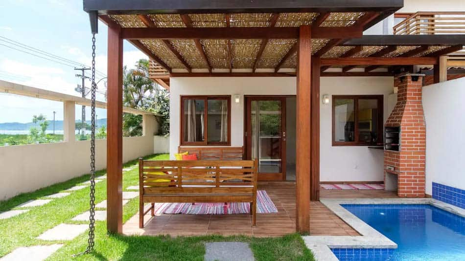 Casa para alugar no Airbnb em Paraty com piscina e churrasqueira