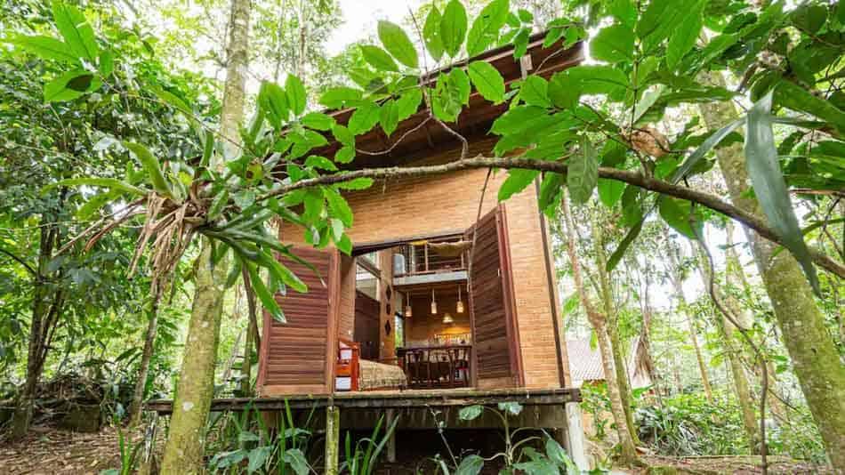 Chalé para alugar no Airbnb em Paraty em meio a natureza