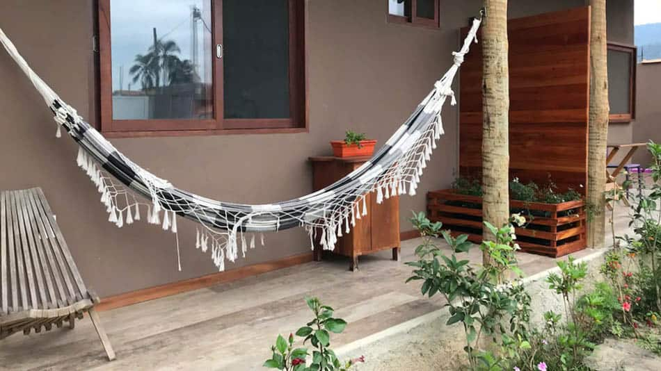 Kitnet barata para alugar no Airbnb em Paraty