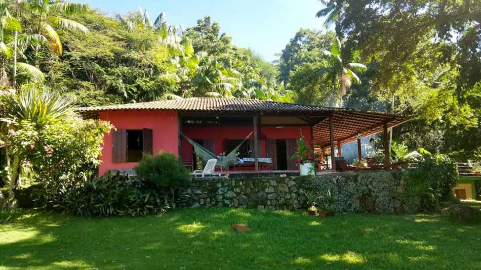 Casa para alugar no Airbnb em Paraty com jardim