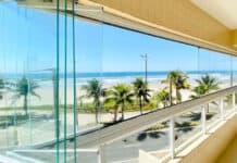 Apartamento com varanda com vista para aluguel no Airbnb na Praia Grande